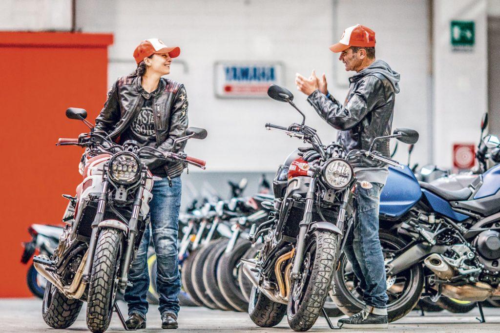 Valerio Boni ed Elena Ermacora (MissBiker) con le Yamaha XSR700